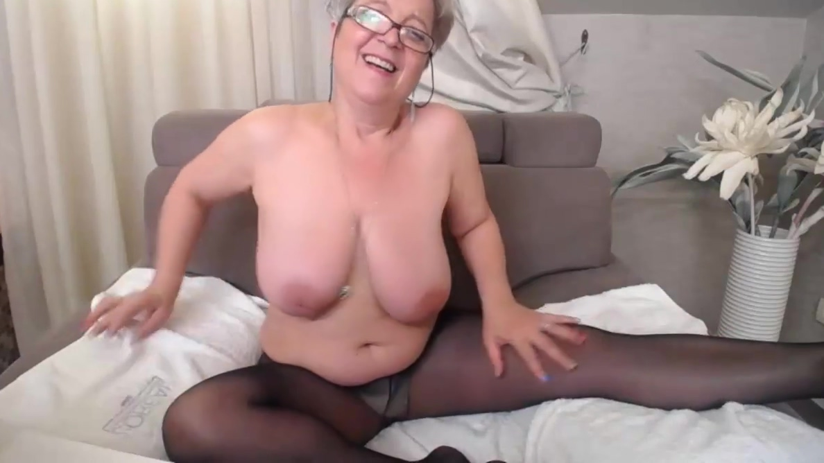 Pam in shower and pantyhose Dating quest network jewelry