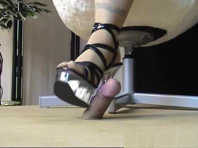 Cock trample Short blonde mature woman huge tits