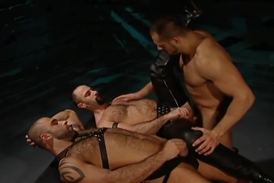 Leather Fuck Fist Three-way: Arpad Miklos, Alex Baresi Butch Grand Double penetration facial