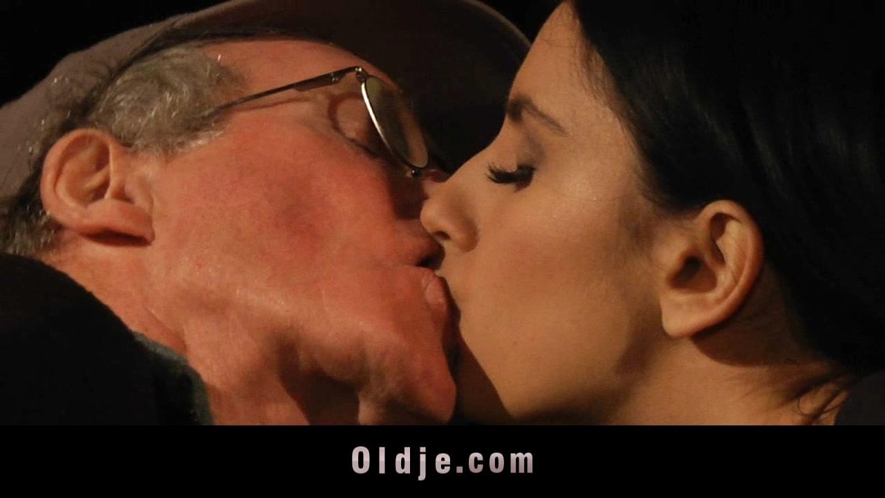 Old boyfrend got blind-date with a Hawt Teeny