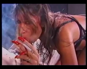 Sweetheart With Lengthy Nails Smokin Oral-Job Sex bj