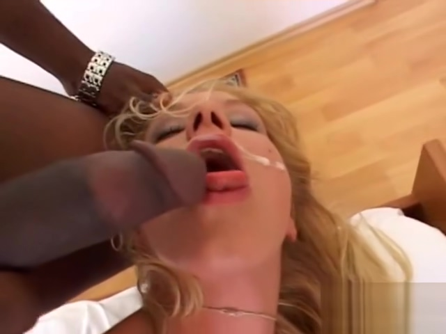 Natalli is a gorgeous blonde babe Sex Game D