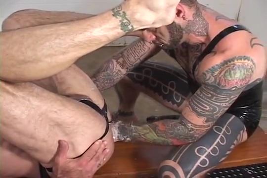 Locker room shower fisting Fast Times At Ridgemont High Porn Parody