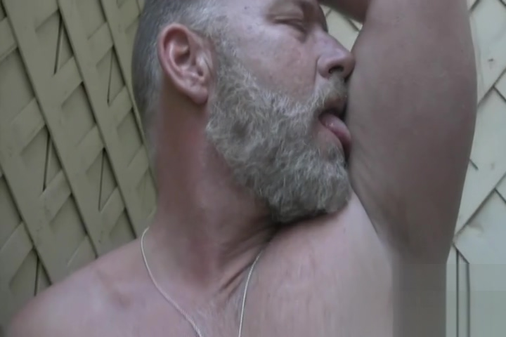 Brent jerks off sexy naked women giving blowjobs