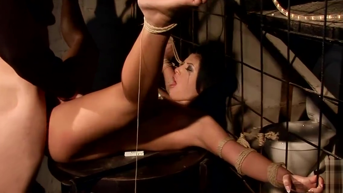 Gorgeous Tiana in my dungon.Bdsm movie Pleasure skin vibrator