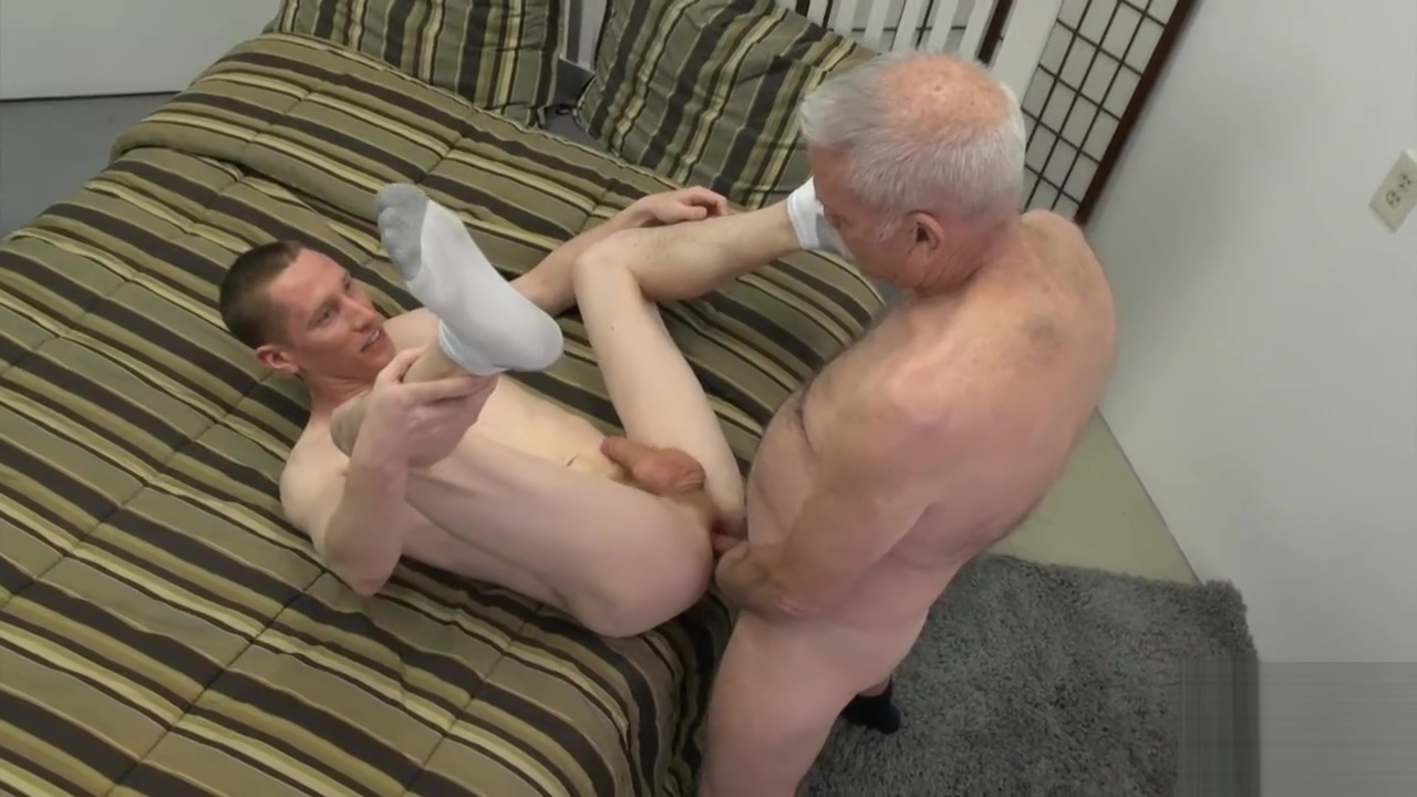 daddy welcomes an out of towner Ffm couple threesome