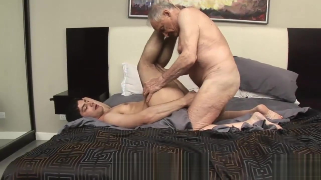 Elderly Professor seduces Twink Student straight guy gets blowjob from feminine asian twink