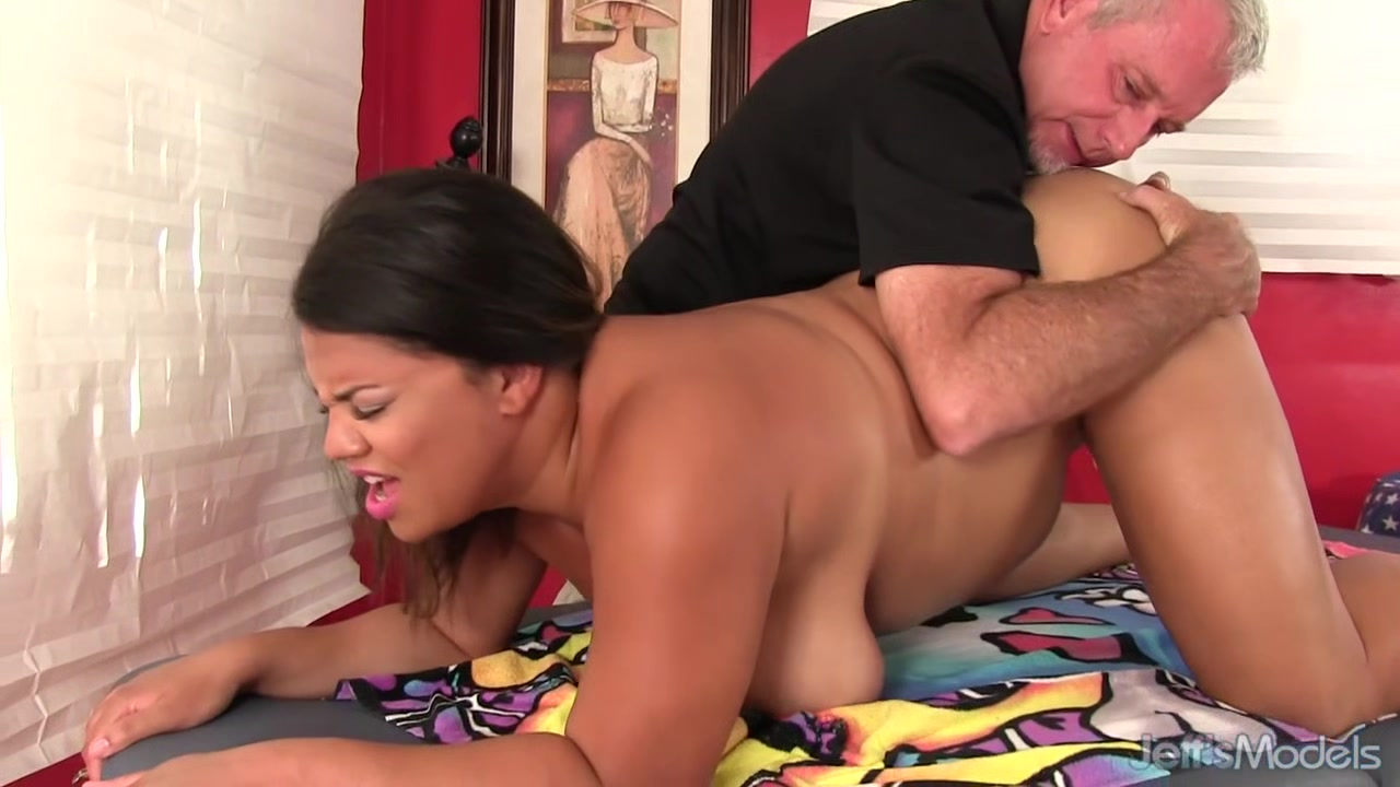 Old Masseur Makes Busty Latina Plumper Lady Spice Moan with Pure Lust Things to avoid when hookup an older man