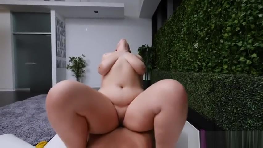 Gordita deliciosa con hermoso cuerpo shitting in a pussy