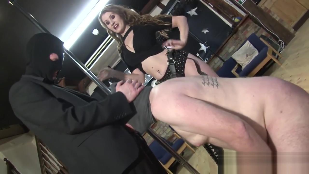 sucking her alphas cock Online dating in pakistan