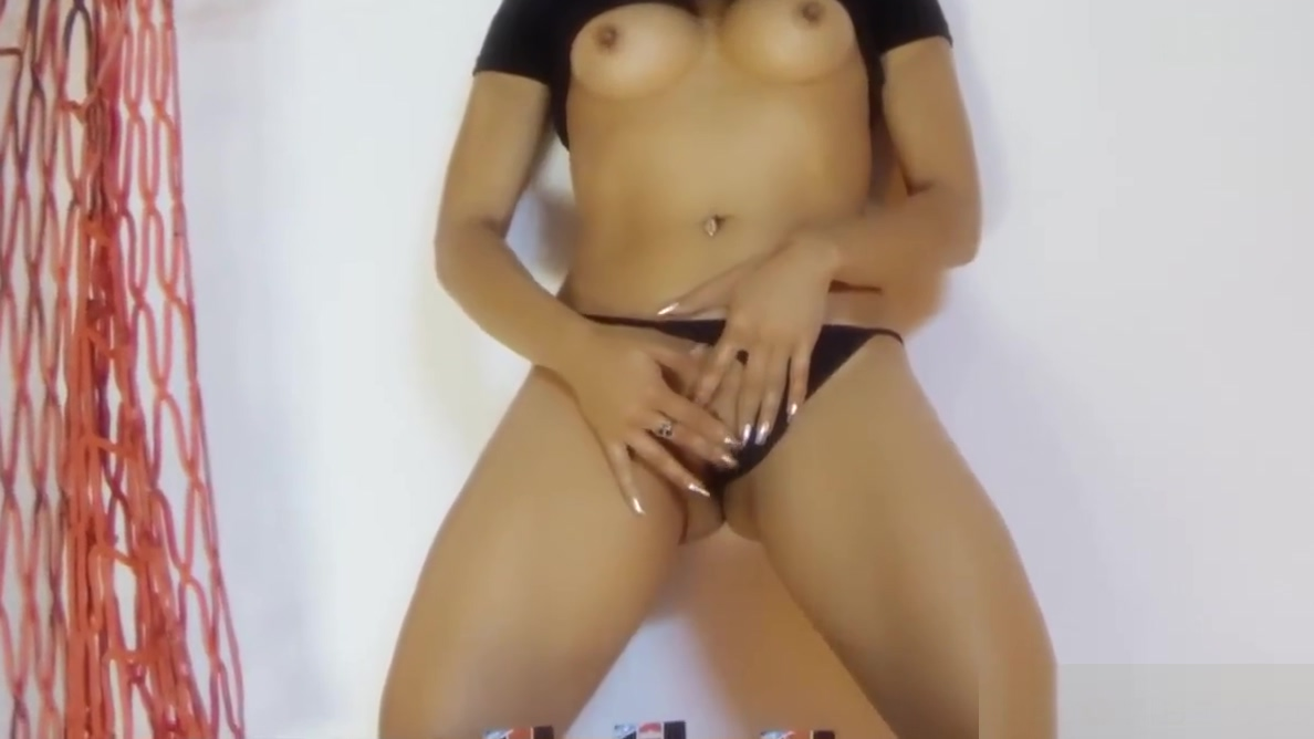 Assisted Squirting Ebony wet pics