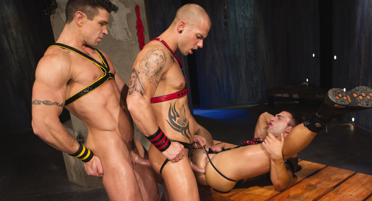Trenton Ducati & JR Bronson & Rod Daily in The Sub Video psychic sexual seduction telepathy