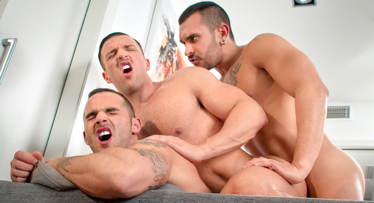 Lucio Saints & Adrian Toledo & Donato Reyes in Sexo In Barcelona - Part 1, Scene #01 groped molest asian vids