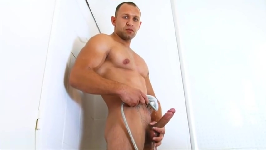 True straight neighbor filmed his big dick in a shower nicole aniston nikki benz