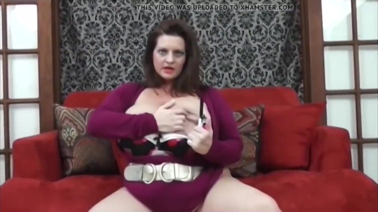 Maria Moore talks about being SOOO BUSTY! Ivy Rose Gehenna First Play