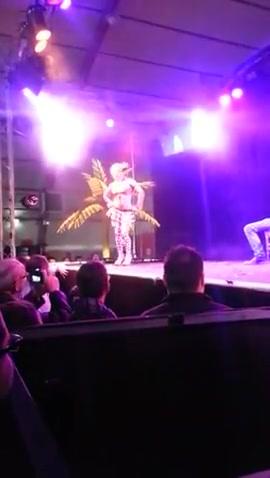 Striptease Montpellier Embarrassing illnesses big vagina