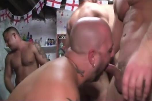 Blokes Down the Boozer latina slurping a thick cock