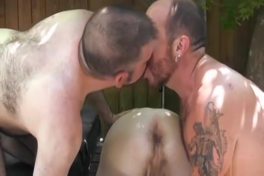 Barebacking bears free amature porn pics