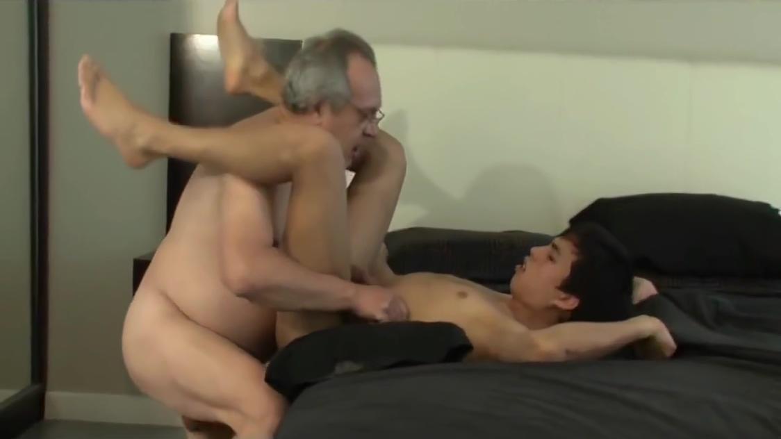 Grandpa fuck a young schoolboy Silky pantyhose feet