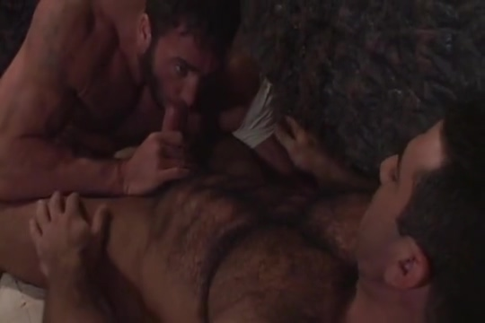 Tom and Bill fuck Fbb huge clit