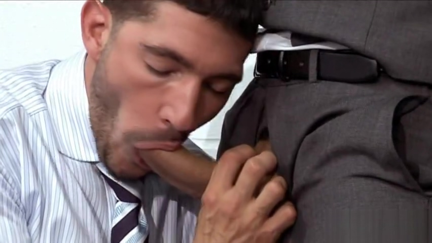 Office sex Milf masturbates to real orgasm