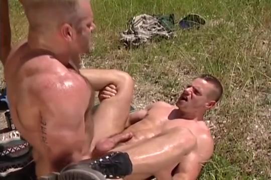 Outdoor 4-way: Arpad Miklos, Park Wiley, Tober Brandt Tyler Saint Nude amputees