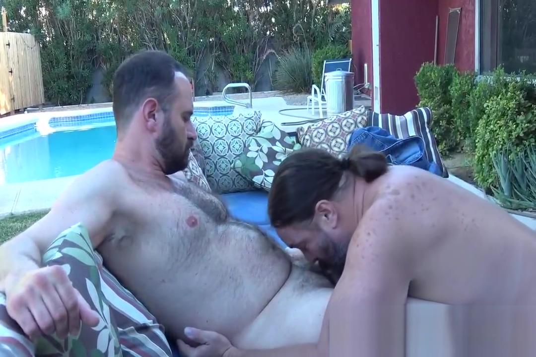 Hairy Bear Fuckers Beach orgasm clips