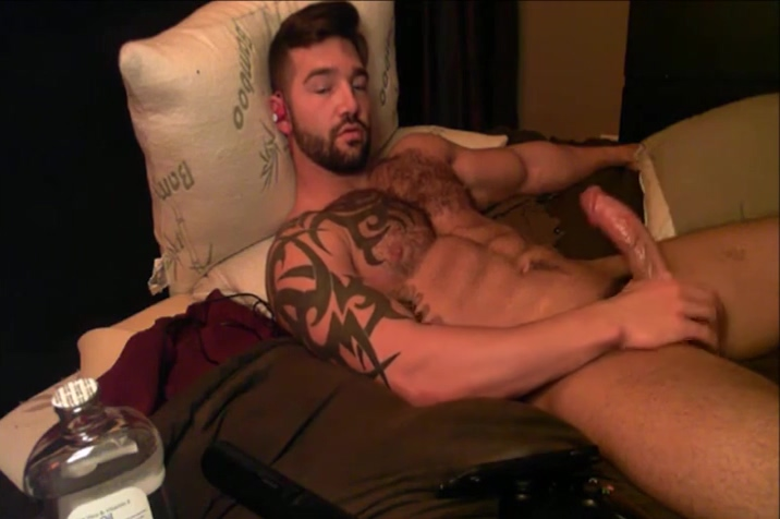 Maddox from FratPad on Cam showing off muscle ass and big cock Sandra hot milf teasing with sexy body