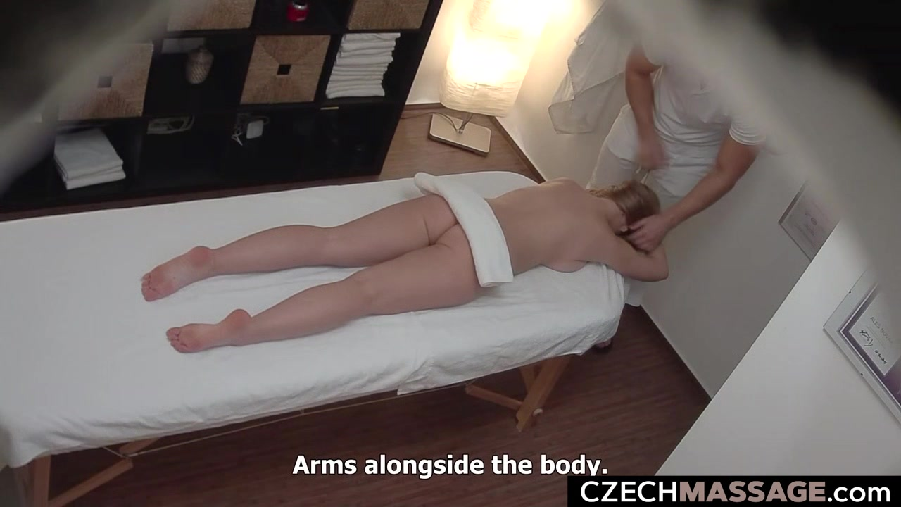Busty Beauty Cheating her BF during Massage Dating site za odvoz just