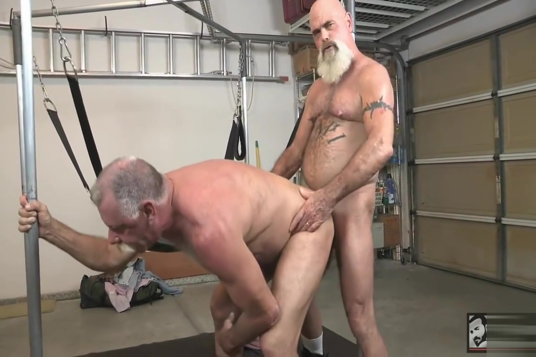 Scott and Steve fuck Box rubbing lez massage