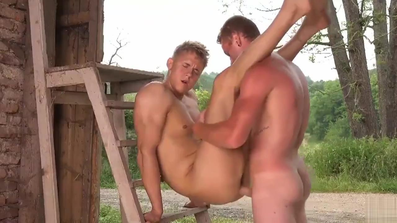 Bareback outdoor sex Amateur milf hairy creampie