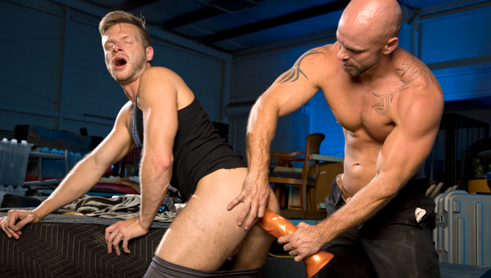 Guard Patrol XXX Video: Brian Bonds, Mitch Vaugn Fat girs fuckin old men