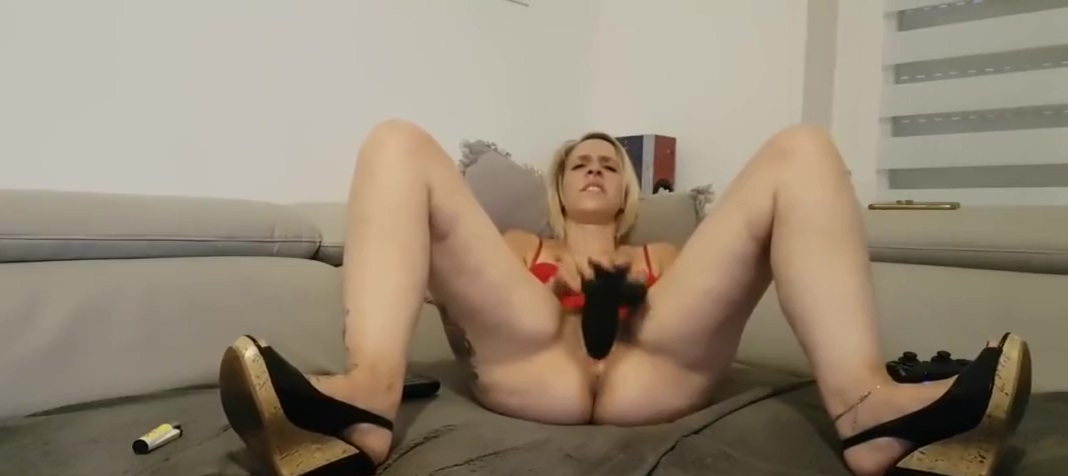 Short hair blonde mom tiffany orgasm with bbc dildo
