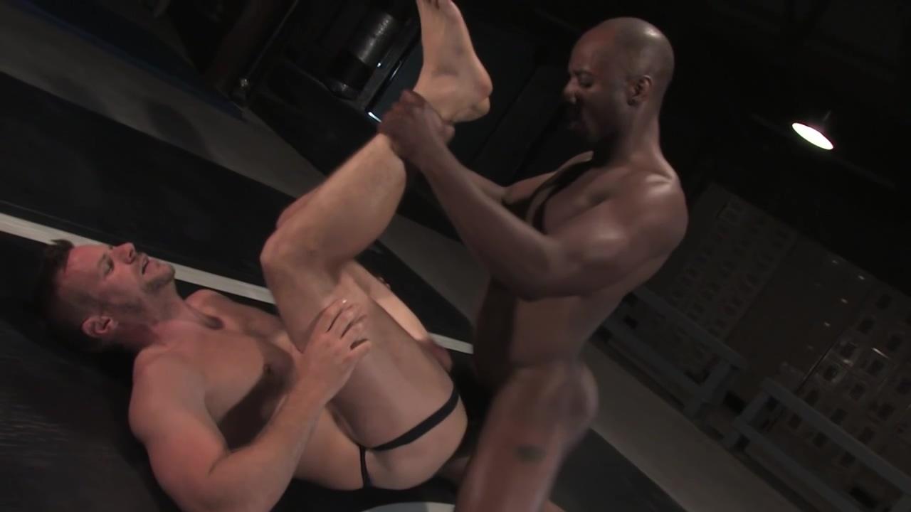 Race Cooper vs Park Riley - wrestle fuck girls naked spy cam