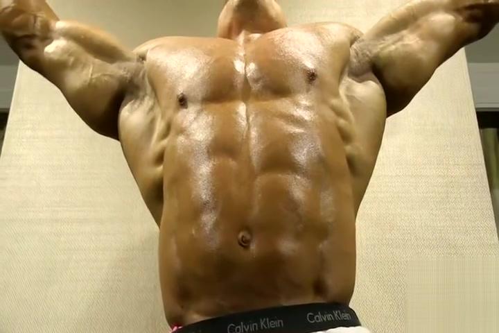 Markus posing for muscle worship part 1 Wip cream bikini