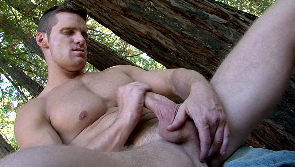 Big Wood XXX Video: Landon Conrad eating pussy in the mornibg