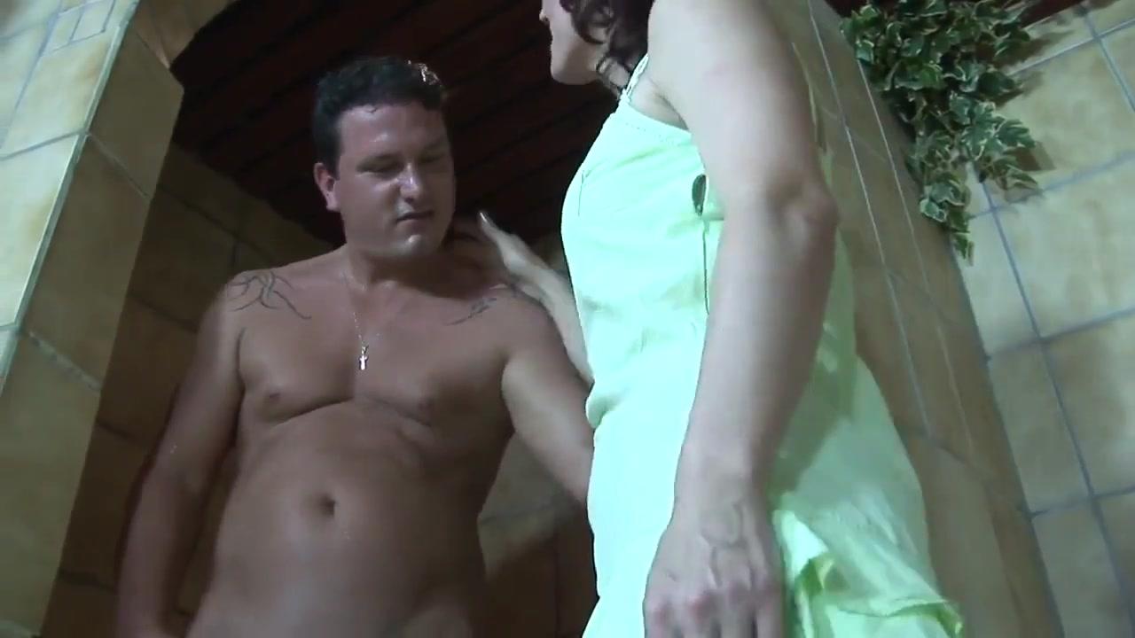 Boy Fuck Mature Mom In Sauna