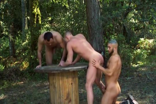 Forest Three-way: JR Matthews, Niko Francois Sagat Amazing deepthroat action