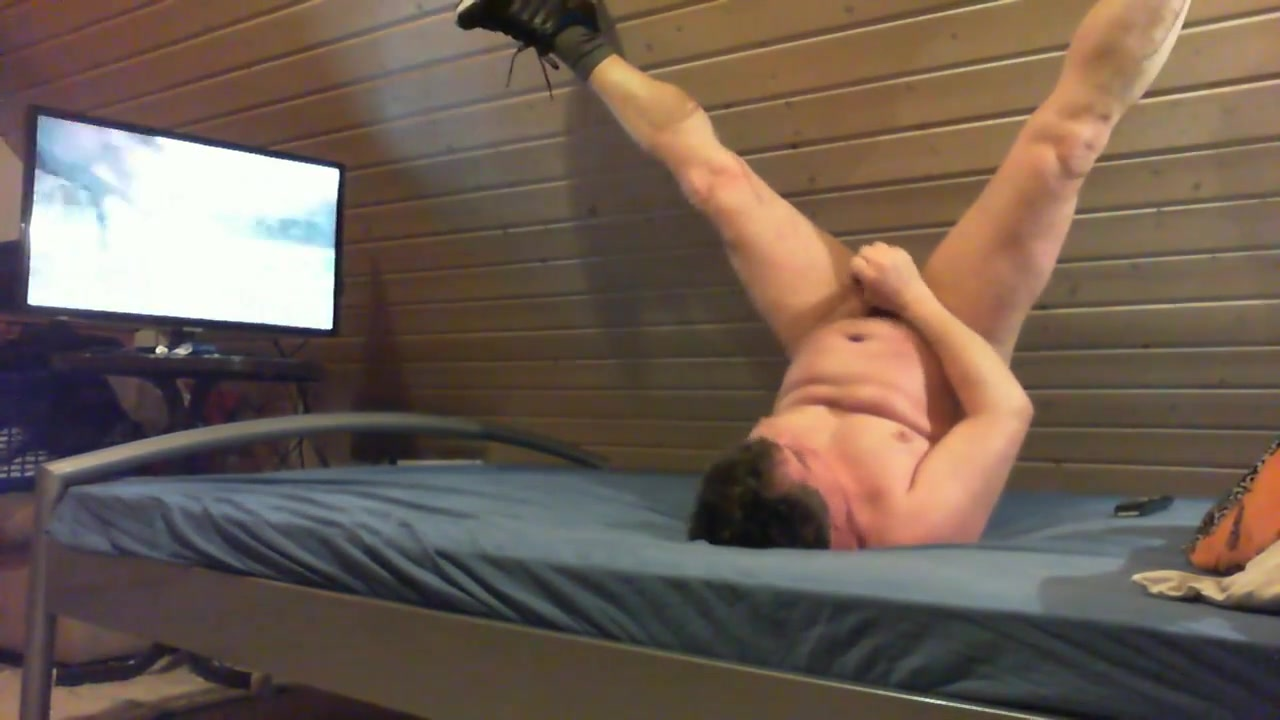 Me masturbating on bed with cum flow in the mouth at the end Hot Lip Kisses Videos
