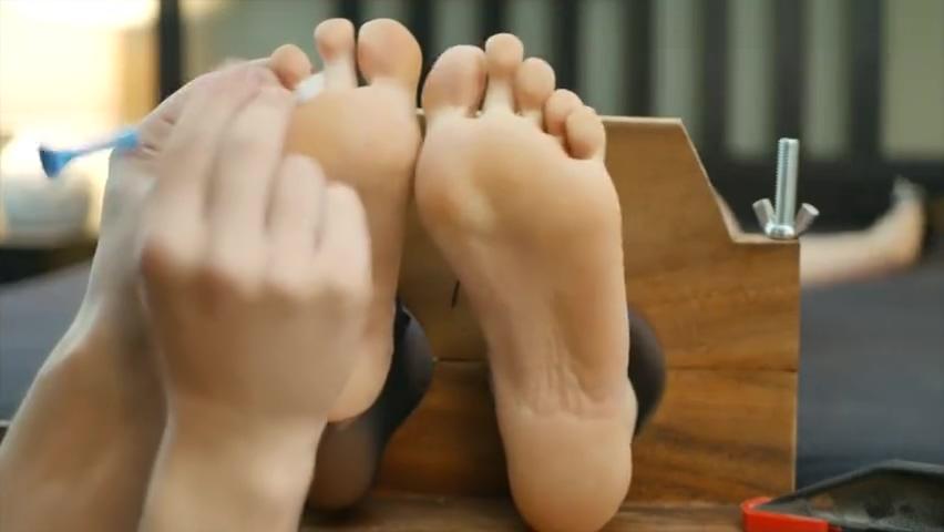 tickling 569