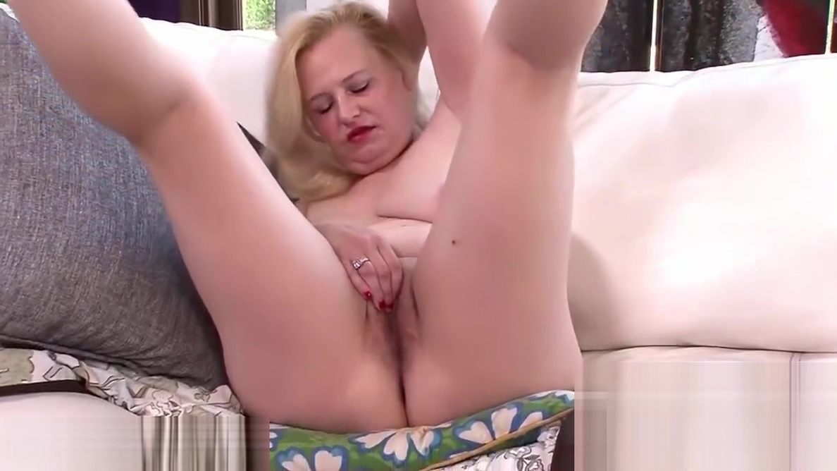 Ms. Beth loves playing with her toys Amount of sperm in precum