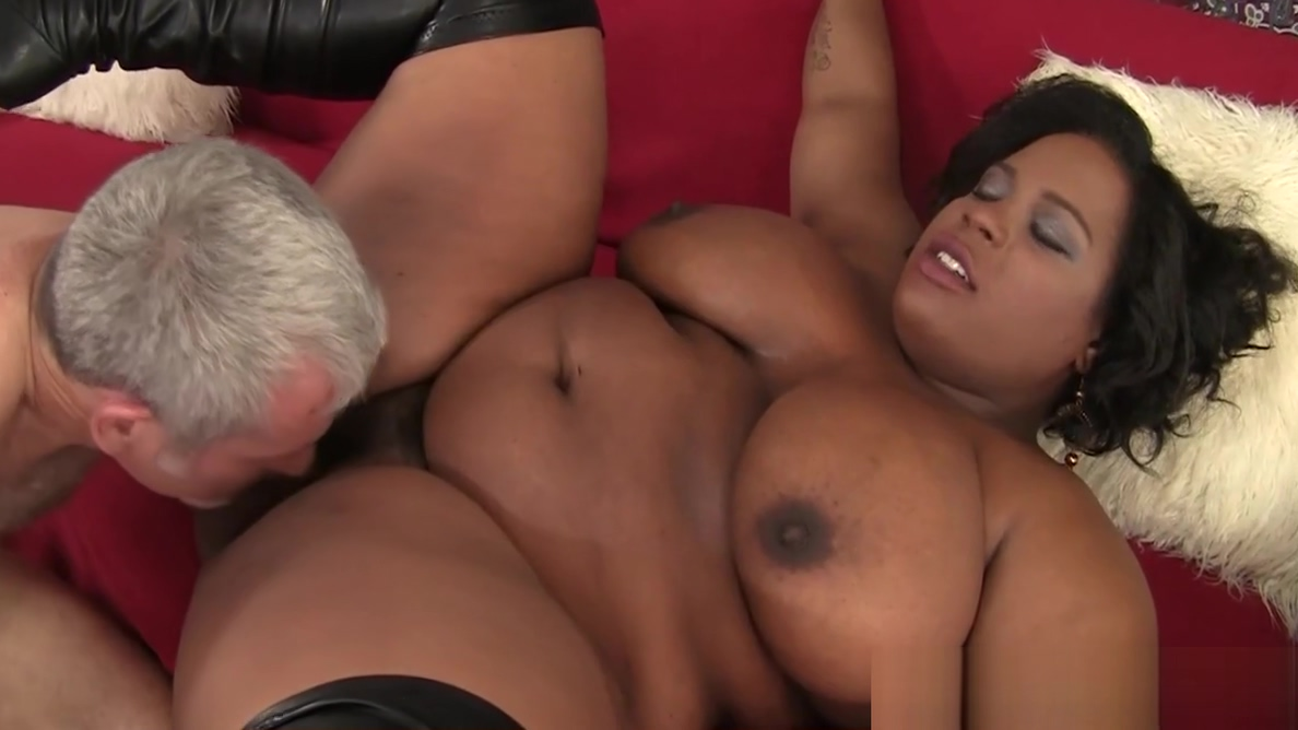 Ebony bbw orally pleasured by oldguy Nice cosplay boobs