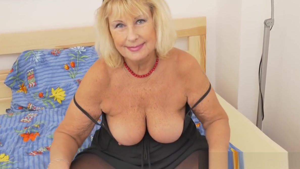 Euro granny Gigi is flaunting her fuckable body Find local bdsm