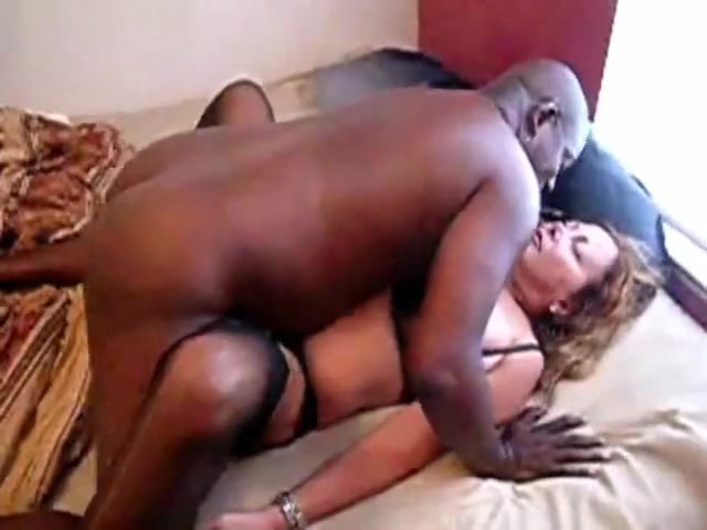 Blonde hookup amateur milf in stockings gets black cock cumshot shemale hands free