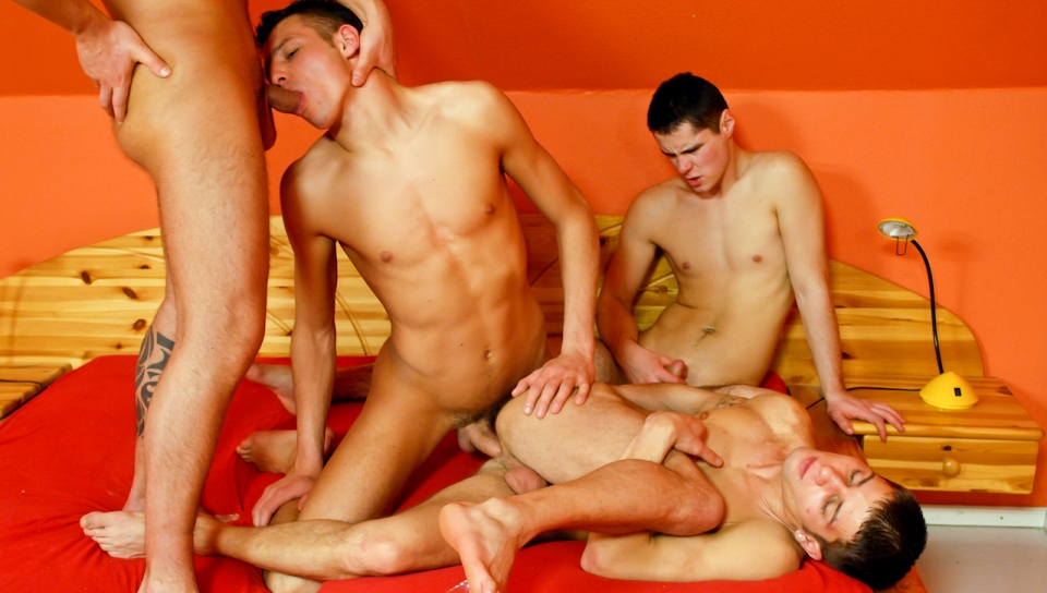 Danko Bell, James Jones (A), Roberto A, Dark Devil XXX Video Gay nanjing