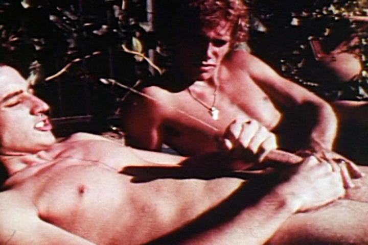 VintageGayLoops Video: Vintage Gay Loops #31 Married milf fucking