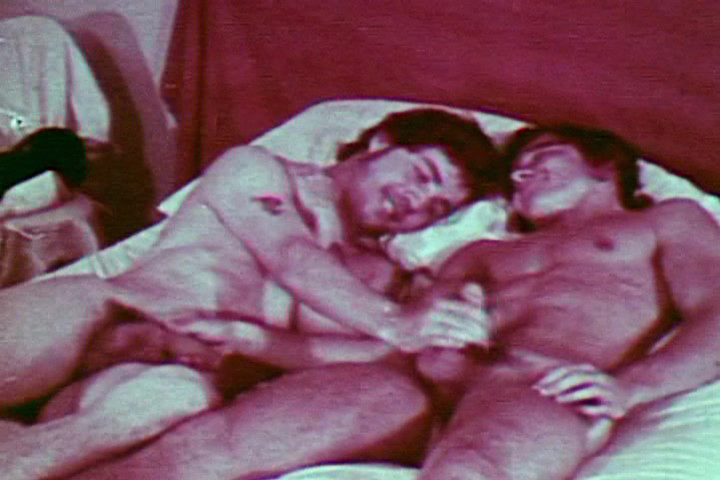 VintageGayLoops Video: Dorm Fun Nina Sexysat Tv Dildo7