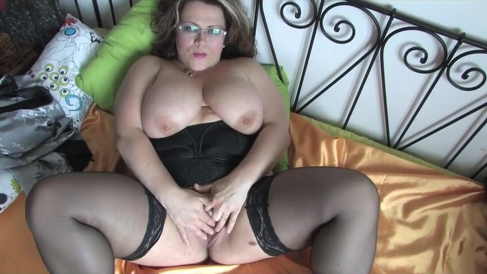 Plump and tasty milf Ass fuck cry pain