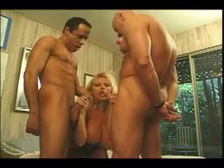 kimnerly kupps - Threesomes Party Sexy kaley cuoco lesbian