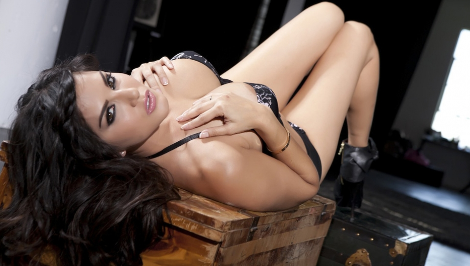 Sunny Leone in Black Corset With Roses Strip & Toy Video Tampa bay lock and key inc